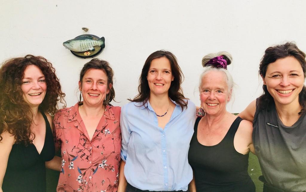 Portrait dezentrale_Stephanie Thiersch, Philine Velhagen, Alexandra Knieps, Angie Hiesl, S.E. Struck © dezentrale